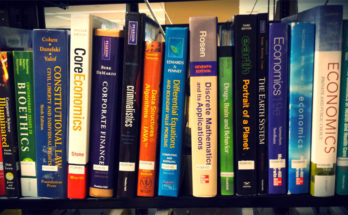 4 Ways To Save A Ton On College Textbooks